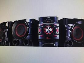 LG LOUDR CM4560 700W Home audio system