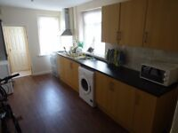 £1000 PCM 4 Bedroom House on Lower Cathedral Road, Cardiff CF11 6LT