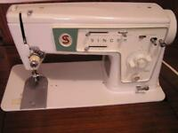 1952 SINGER SEWING MACHINE AND TABLE