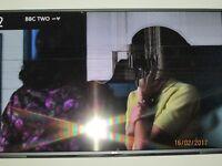 LG 49 inch LED Smart tv (damaged screen)
