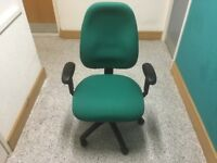 ALMOST NEW OFFICE CHAIR - FULLY ADJUSTABLE - CLEAN AND FRESH - LOCAL DELIVERY