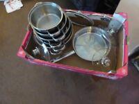 5 aluminium saucepan set with lids and handles and 1 frying pan