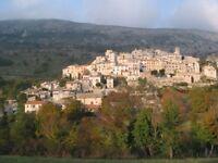 Maison de village arriere pays NICE dans paysage exceptionnel. Proximite mer et montagne .