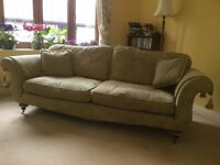 Buckingham large 3 seater settee, vgc in moss green with gold pattern