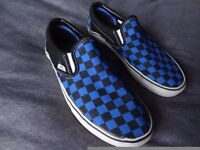 Vans Unisex Shoes with a Blue/Black printed Check. UK 6.5