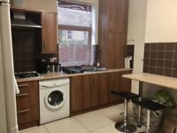 1 or 2 bedrooms for rent. Preferably students/young professional. £378/month all bills Included