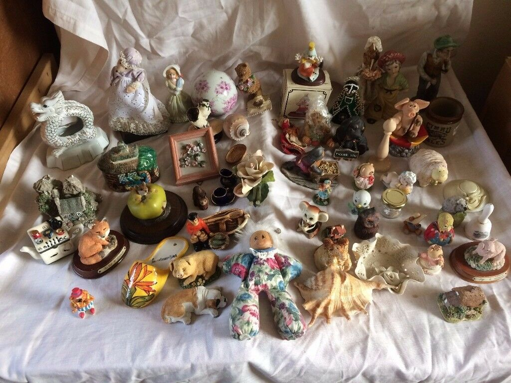 large lot of ornaments in good condition only £15