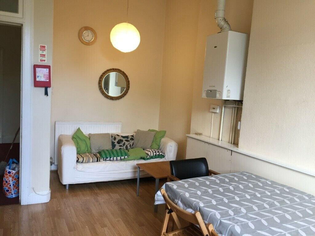 Large, 4 double bed flat in Marchmont, Edinburgh | in ...