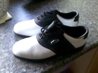 BRAND NEW DUNLOP GOLF SHOES LEATHER SIZE 10.5 WITH SPIKES KEY £15