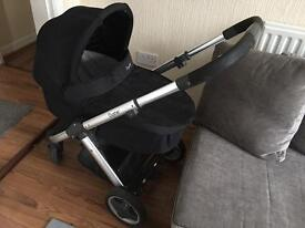 Oyster Carrycot baby stile pushchair