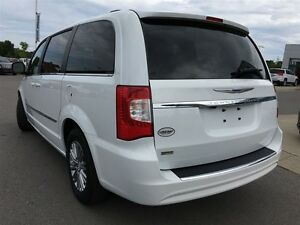 2016 Chrysler Town & Country Touring L Pwr.Sliding Doors|Heated  Peterborough Peterborough Area image 3