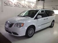 2014 Chrysler Town & Country Touring- NAVI/LEATHER/SUNROOF/DUAL-