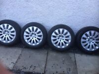 Mercedes alloys with nearly new tyres