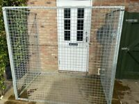 OUTSIDE DOG KENNEL / CAGE