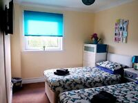 GLASGOW, DAILY - WEEKLY - MONTHLY LET! DOUBLE / TWIN / TRIPLE LUXURY ROOMS - FREE WI FI - SHORT TERM