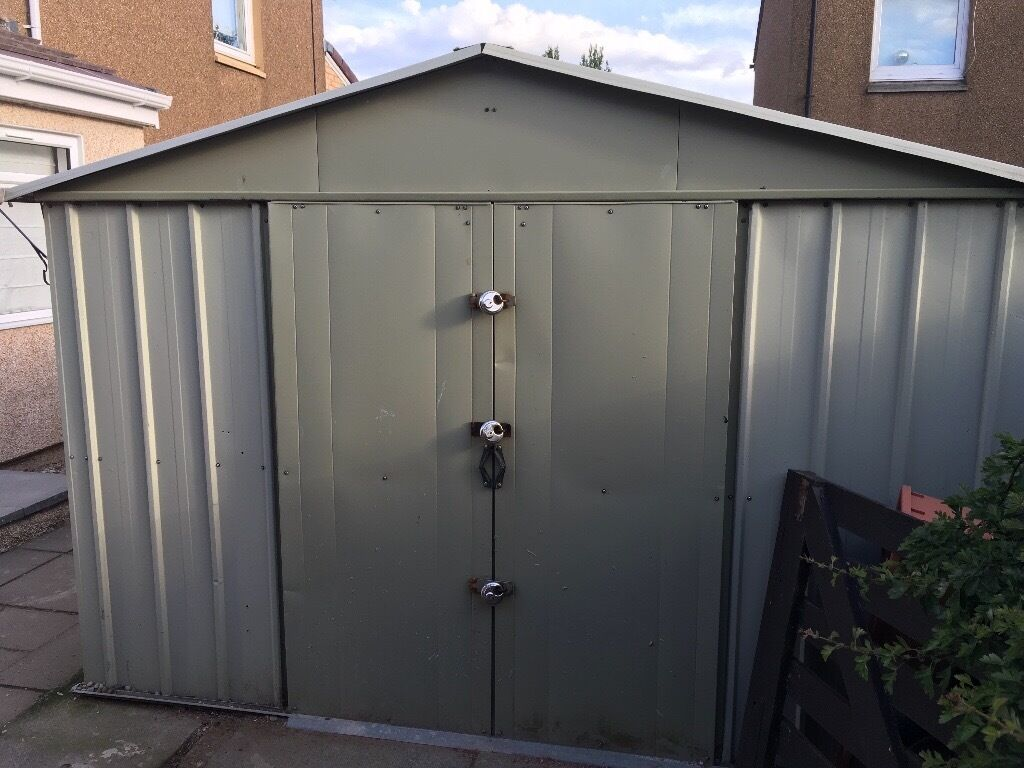 Large Yardmaster metal shed (9x12ft) **Sold subject to collection**