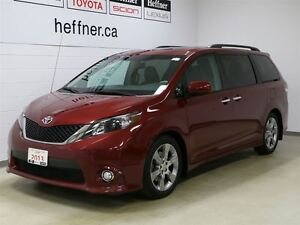 2013 Toyota Sienna SE 8 Passenger with Back up camera