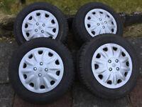 Set of steel wheels, tyres and wheel covers - Renault