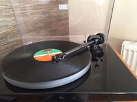 Pro-Ject UKX Xpression Carbon Turntable record player
