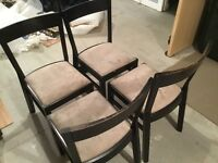 Extending dining table with 4 chairs, free.