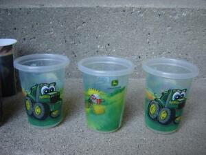 KID'S PLASTIC CUPS/TOYS
