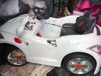 12V AUDI TT STYLE RECHARGEABLE KIDS RIDE ON. (12V AUDI TT WHITE)
