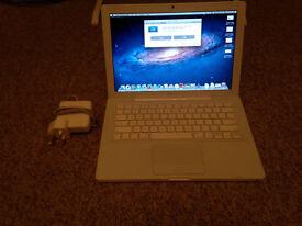 "Macbook 13"" 2009 4GB RAM 160GB HD"