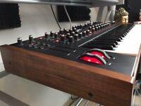 Dave Smith Pro 2 - Analogue Synthesizer