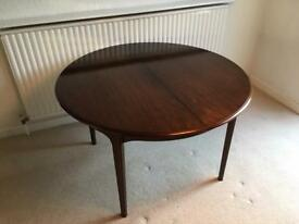 Stag classic dining table (extendable)