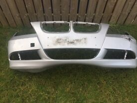 E90 font bumper * damaged some scrapes , need repaired *