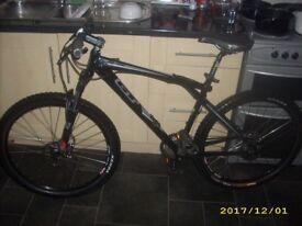 GT Zaskar Elite Mountain Bike Hyd Brakes Lockout Forks 18 Inch Medium Frame Great Bike
