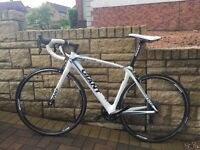 Giant tcr compsite 2 2014, medium, like new. Full carbon, was £1600 new.