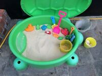 Sand pit with sand & accessories