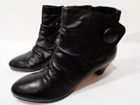 Clarks Womens Black Leather Mid Heeled Ankle Boots - Uk Size 6