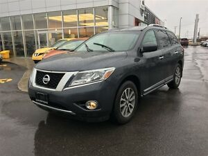 2014 Nissan Pathfinder SL AWD | Leather, Heated Seats, Rear Came