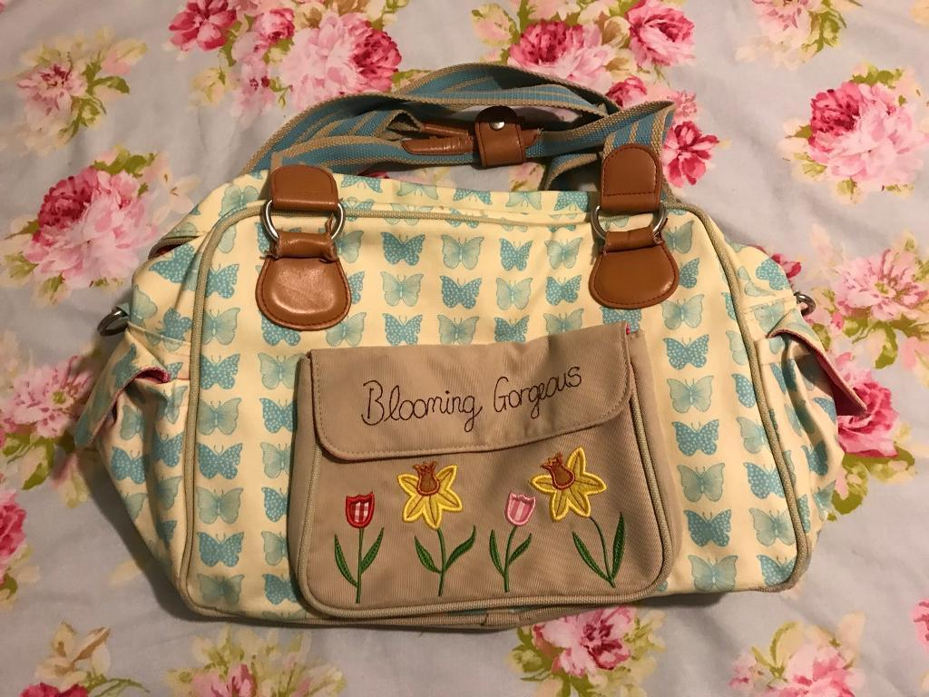 Yummy mummy baby changing bag by pink linings