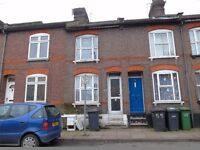 2 Bed House on Russel Street LU1 5EB! fully re decorated