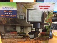 SUNFORCE SOLAR 60 LED NEW MOTION SENSOR SECURITY LIGHT WITH SOLAR PANEL