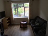 Double Room - Professional House Share