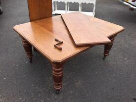 Antique Victorian extending oak table