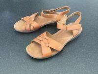 Clark's sandals size 8