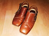Ikon leather shoes. (9/43)