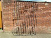 WROUGHT IRON/STEEL GATE