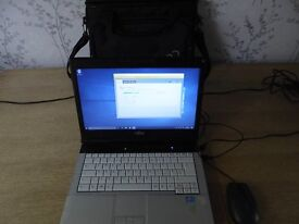 Fujitsu Lifebook S751 Windows 10 64Bit, fully updated, with Fujitsu laptop bag, charger, and mouse
