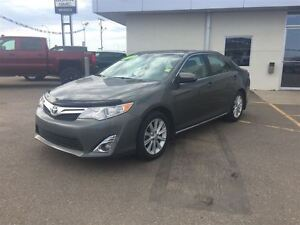 2012 Toyota Camry XLE**Leather/remote start/backup cam/sunroof**