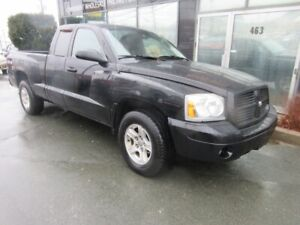 2006 Dodge Dakota 4X4 EX-CAB WITH ONLY 220K