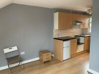 AVAILABLE NOW !!! ..A CLEAN ENSUITE ROOM IN IFLORD, IG1 2EF, FOR JUST £695pcm?! WILL GO QUICK