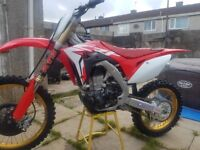Honda crf450 2018 with genuine low 15hours use *MINT*