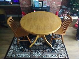 Circular Table With 2 Chairs