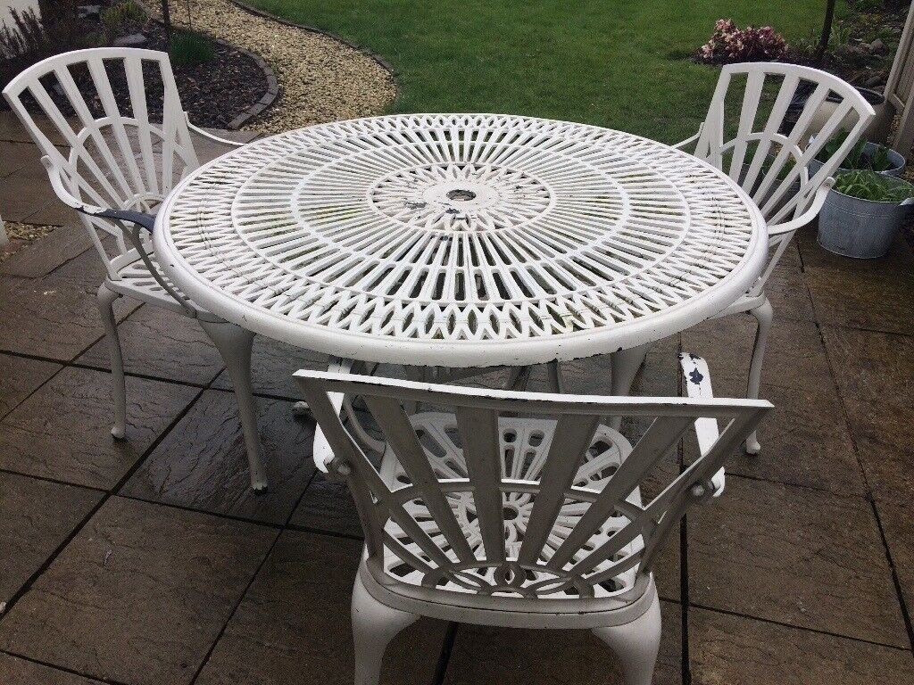 Garden table 3 chairs